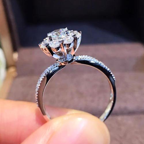 女生求婚戒指一般买多大型号